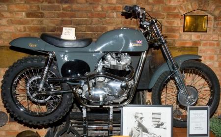 Triumph Metisse Desert Racer Replica