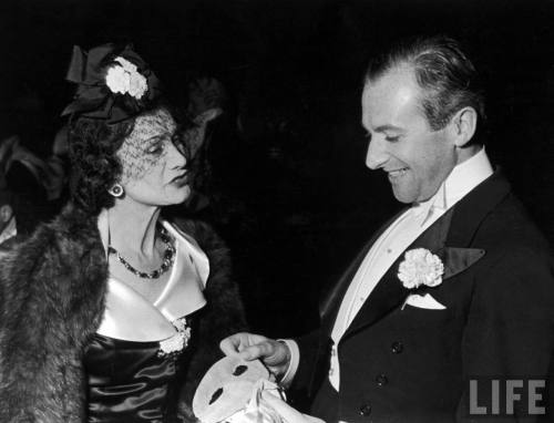 Fashion designer Gabrielle (Coco) Chanel w. photographer Cecil Beaton.